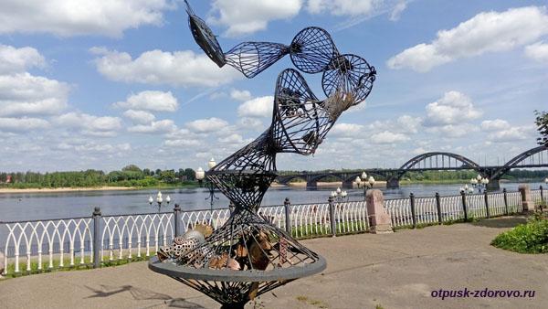 Скульптура Трал, набережная Рыбинска