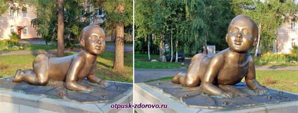 Памятник Здравствуй, Малыш в Рыбинске
