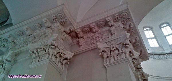 Внутренние колонны Спасо-Преображенского собора, Рыбинск