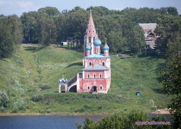 Казанская Преображенская церковь, Тутаев, вид с Волги