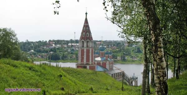 Казанская церковь, Тутаев, вид с левого берега