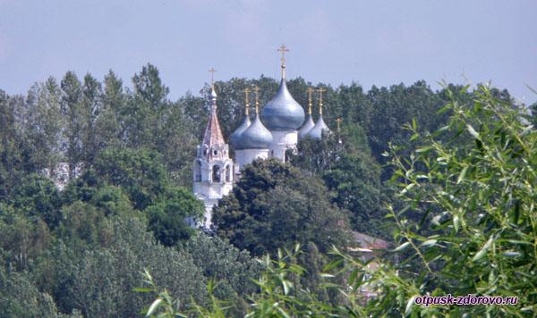 Крестовоздвиженский собор, Тутаев, Ярославская область
