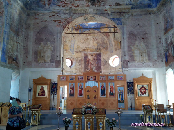 Внутри Феодоровской церкви, Богоявленский монастырь, Углич