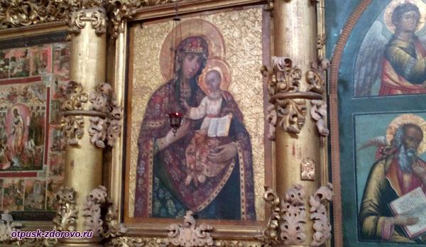Необычная икона Божией Матери, Спасо-Преображенский собор, Углич