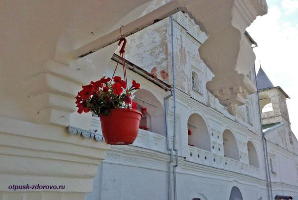 Террасы Воскресенского монастыря, Углич