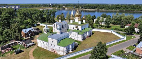 Воскресенский монастырь с высоты птичьего полета, Углич