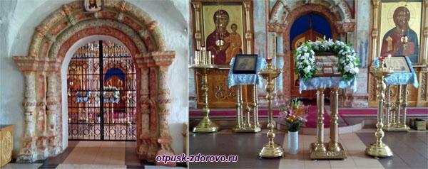 В храме Воскресенского монастыря, Углич