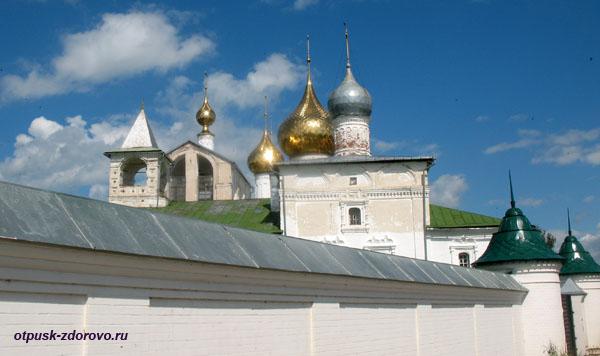 За каменной стеной, Воскресенский монастырь, Углич