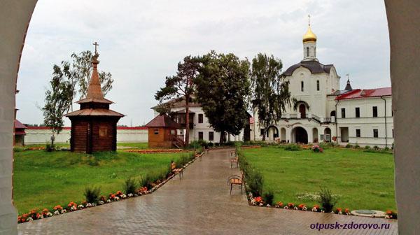 Церковь прп Кирилла и Марии, Варницы, Троице-Сергиев Варницкий монастырь