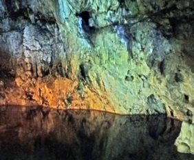 Калаврита, Пещера озер, Пелопоннес, Греция