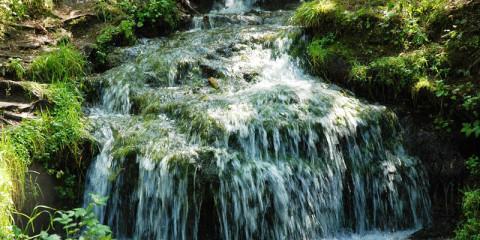 Гремучий ручей. Красивый водопад Калужской области