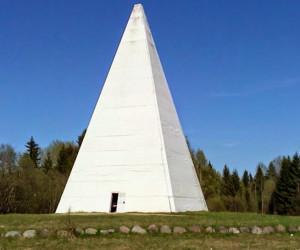 Пирамида на Селигере или Голод в Осташкове
