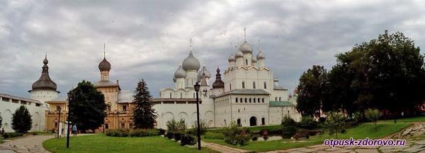 На территории, Музей-Заповедник Ростовский Кремль